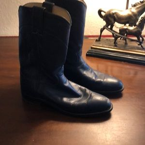 Ladies navy blue Justin roper boots.